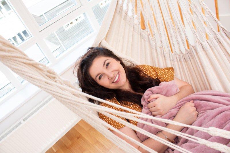Nous ! Avec Tropilex, obtenez un peu d'espace pour respirer tout en vous balançant sur l'incroyable chaise suspendue à hamac !